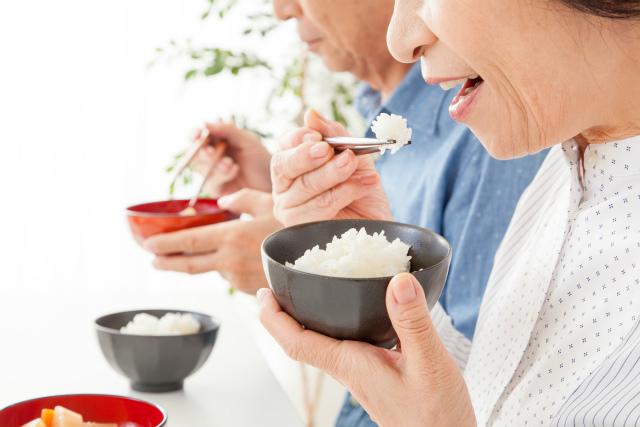 食事シーンのイメージ写真